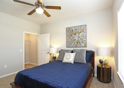 sansom-pointe-senior-sansom-park-tx-2br1ba---971sf-model---bedroom (1)