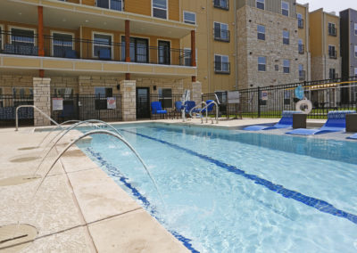 sansom-pointe-senior-sansom-park-tx-gorgeous-pool-with-sundeck